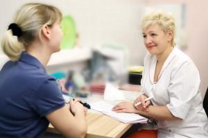На приеме у врача по поводу лапароскопической миомектомии